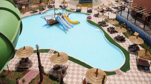 "Guests left ""violently ill"" at the Pickalbatros Aqua Fun Club"
