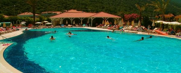 Suspected salmonella outbreak at the Montebello Resort, Turkey