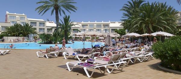 """Beware sickness bug"" reports ClubHotel RIU Oliva Beach Resort guest"