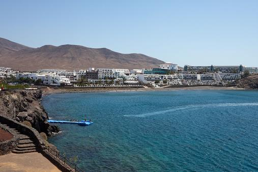 Cold food putting sickness back on the menu at Club Playa Blanca, Lanzarote?